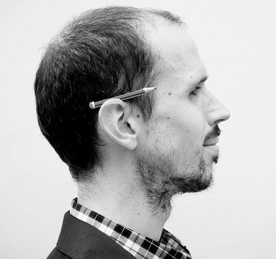 Iván Bravo. Il·lustrador col·laborador del projecte Printing Freedom.