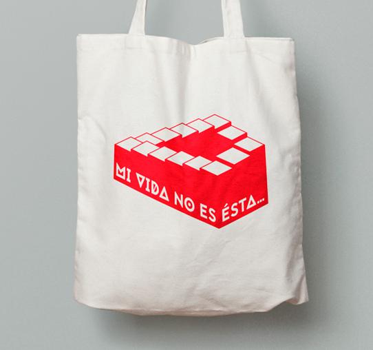 Bossa 'Mi vida no es ésta' de Mil Vietnams per Printing Freedom